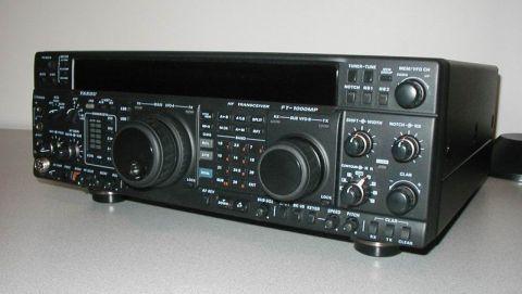 Prává časť panelu FT-1000MP